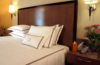 snowcap,lodge,comfort,bed,cleelum