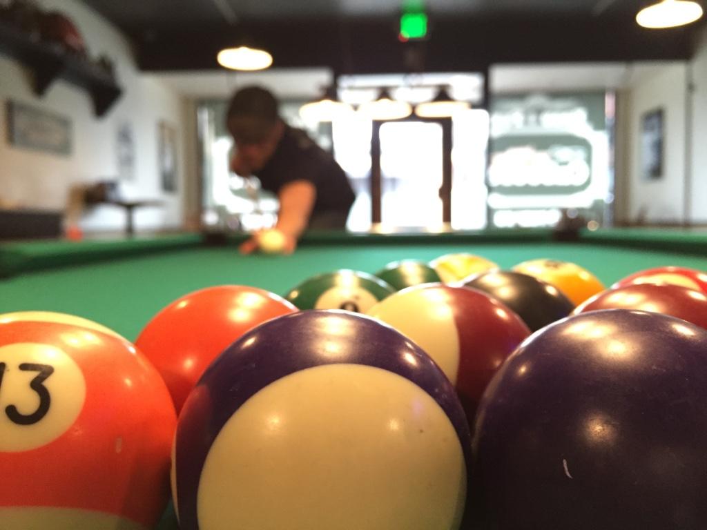 caboose,bar,grill,billiards,cleelum