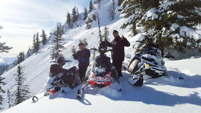 snowmobiling,winter,cleelum