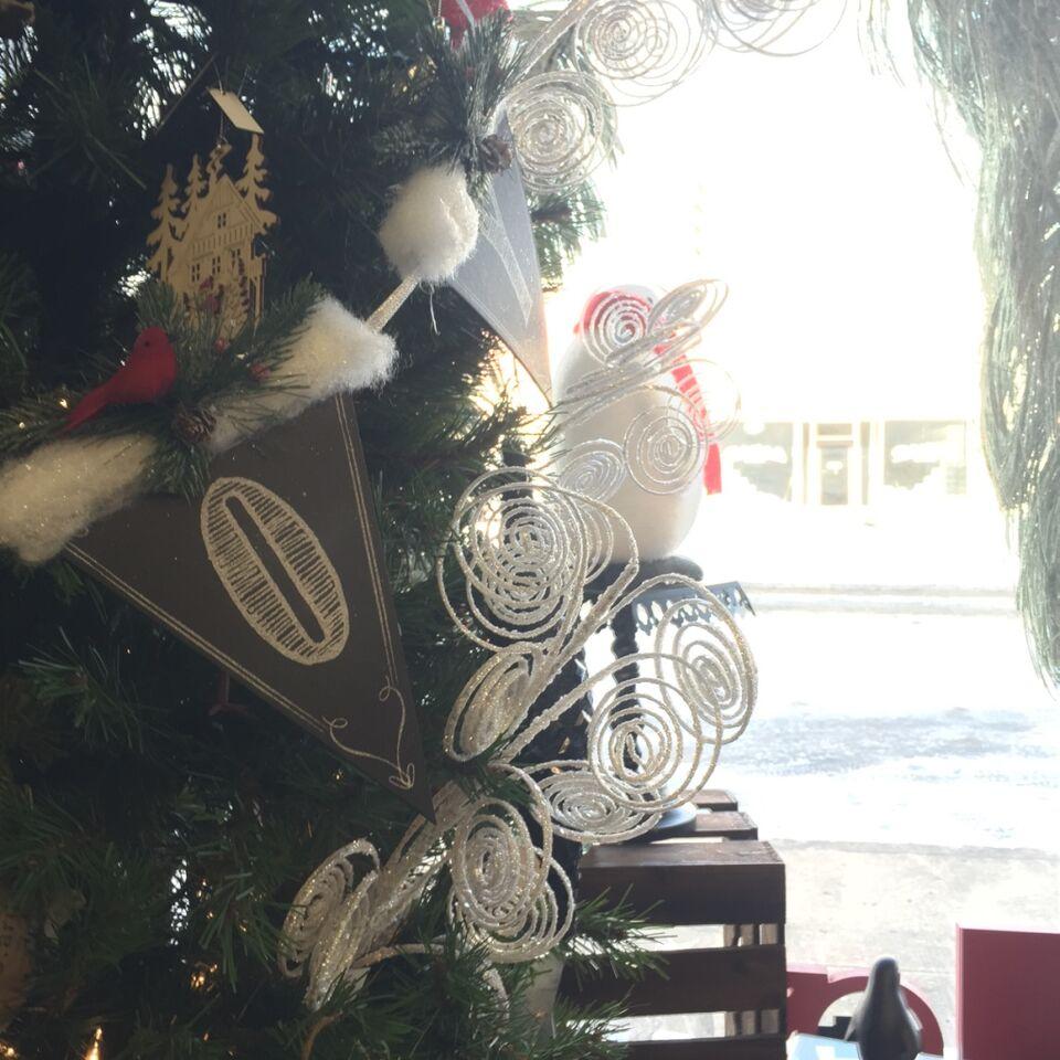 christmas,tree,ornaments,cleelum