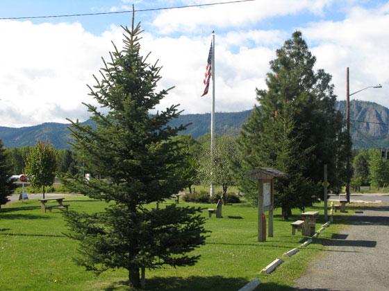 flagpole,community,park,,cle,elum